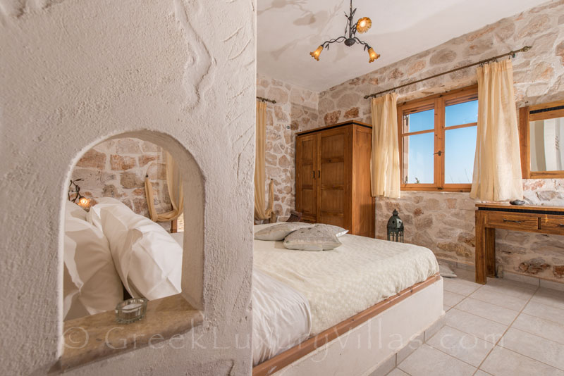 Bedroom of villa with pool in Zakynthos